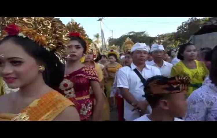 Dokumentasi-Ngaben-Masal-Desa-Adat-Lokapaksa-2019.html